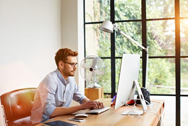Microsoft και Google προσφέρουν δωρεάν λογισμικό λόγω του κορονοϊού